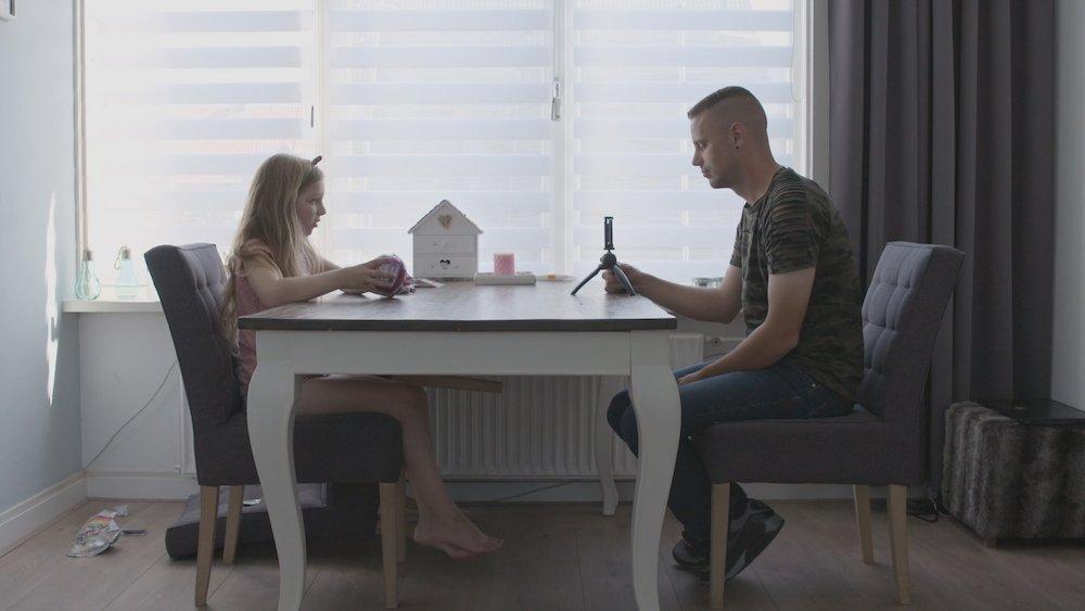 Waarom ouders kindvloggers supporter; hier Jaylinn en vader